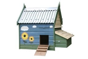 Chicken house with contained nesting boxes