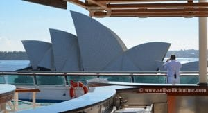 sea princess overlooking the Sydney Opera House 620